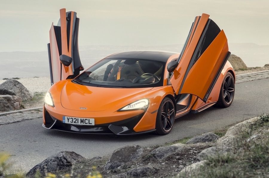 McLaren-570S-Coupe-Doors-open