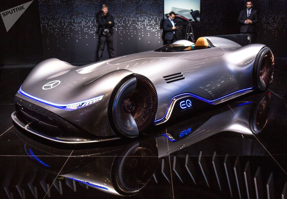 Paris Motor Show 2018 EQ